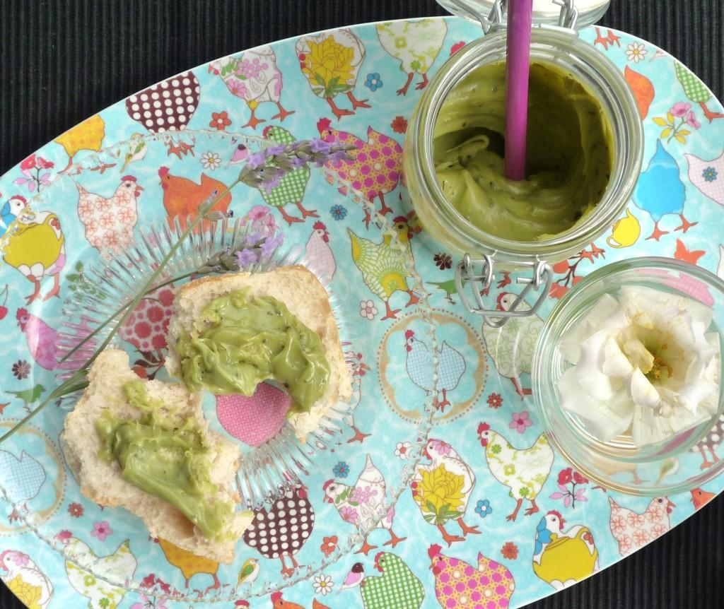 Pâte à tartiner chocolat blanc-thé vert matcha
