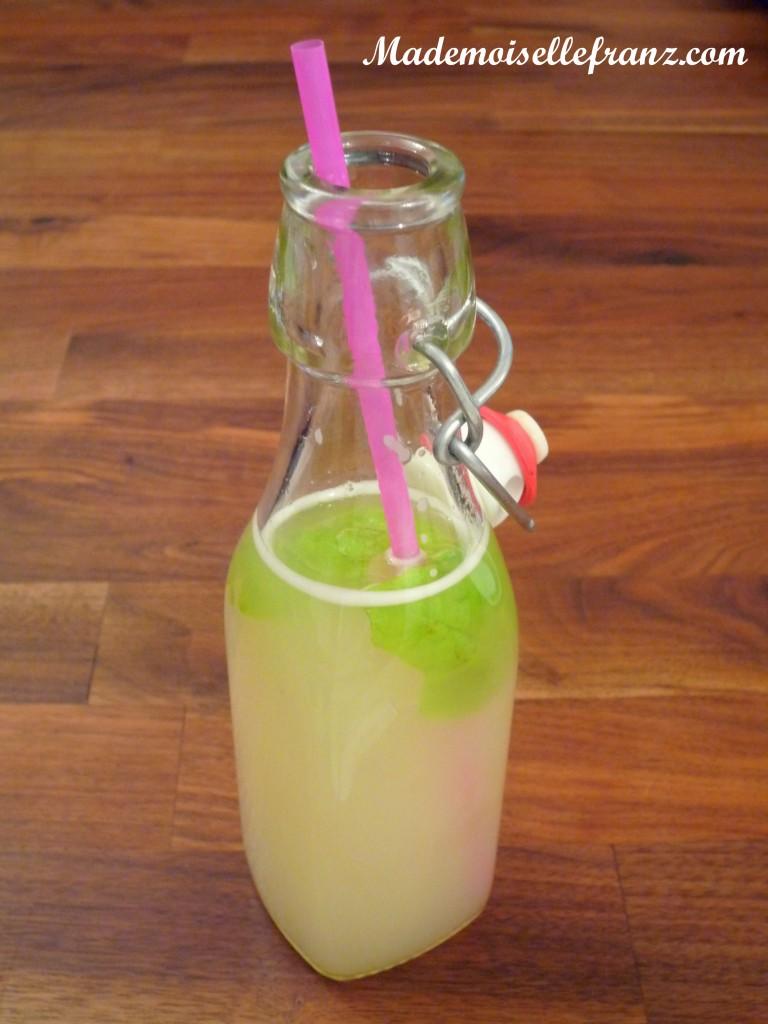 Limonade rhubarbe-thé vert sencha